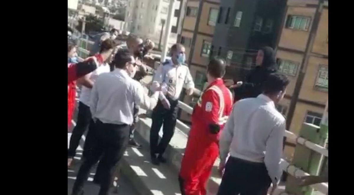 لحظه خودکشی زن خرم آبادی از روی پل!+فیلم لو رفته خودکشی