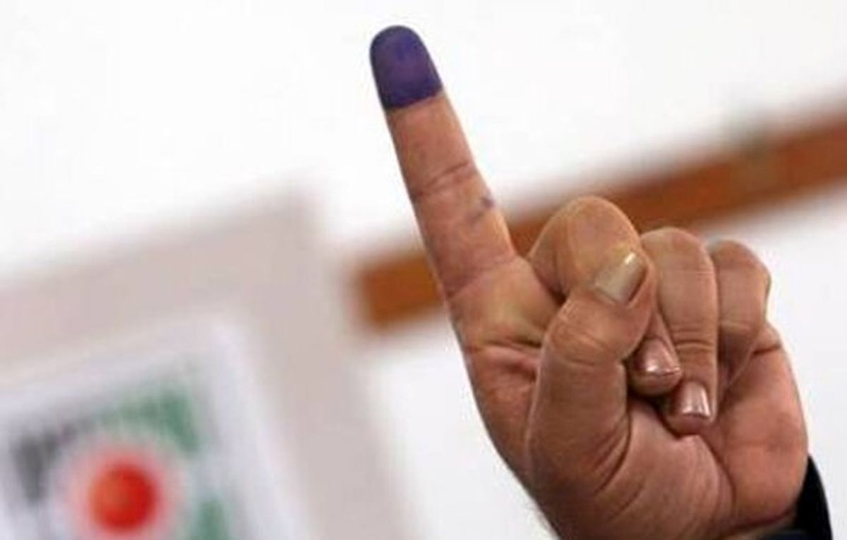 کاندیدای کفن پوش برای انتخابات 1400 ثبت نام کرد+عکس عجیب
